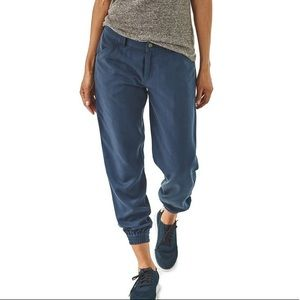Patagonia edge win joggers crop pants
